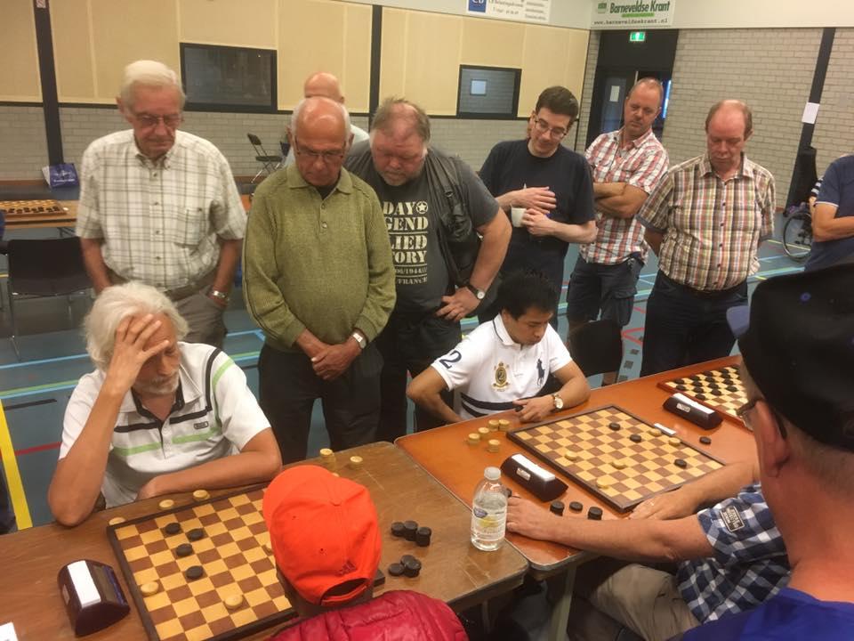 Niek Kuijvenhoven wint Barneveld Open (dammen)